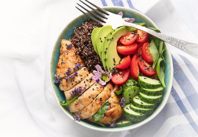 Healthy bowl with roasted chicken and quinoa. - monte mare